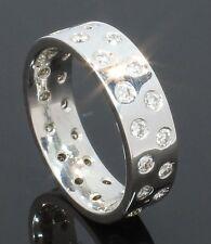 Oro Blanco de 9 quilates y 32 Piedra Anillo de boda de diamante Set 1.10ct Talla P (71.02.126)