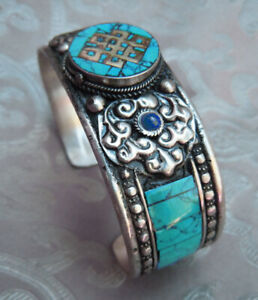 Seltener Silver Bangle from Nepal Endless Knot with Coral + Lapislazuli