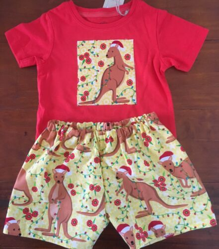 SZ 0 2 PCE AUSSIE CHRISTMAS T SHIRT AND SHORTS SET  ALL NEW