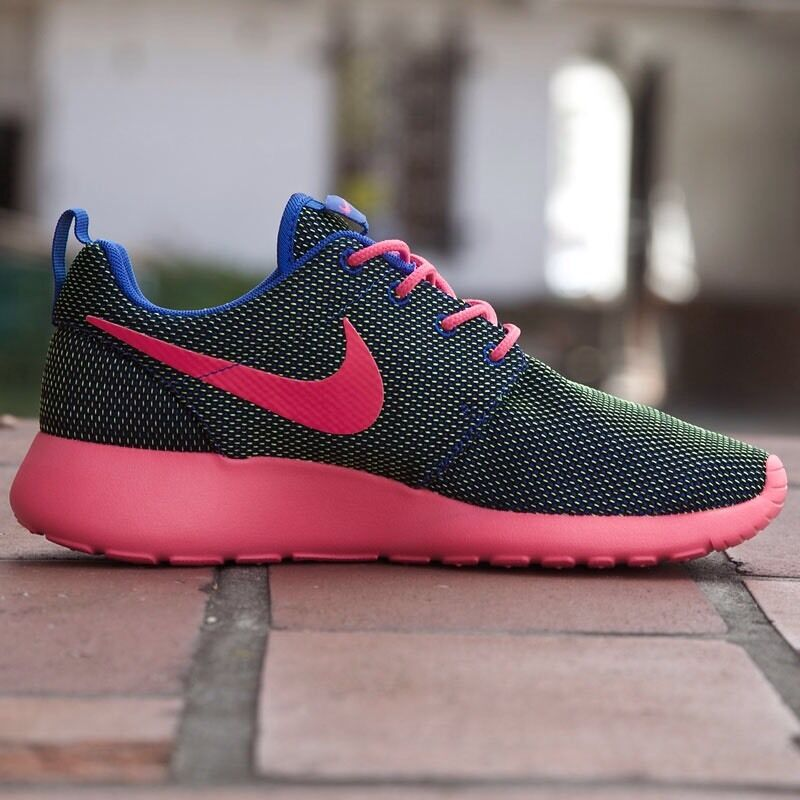 WOMEN NIKE 100%AUTHENTIC ROSHE RUN RUNNING Schuhe 100%AUTHENTIC NIKE dea5aa
