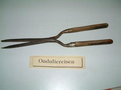 1 Antikes Friseur Onduliereisen - 50 Er Jahre Mit Holzgriff