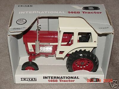 ERTL 1//16 IH INTERNATIONAL HARVESTER 1468 LE TRACTOR