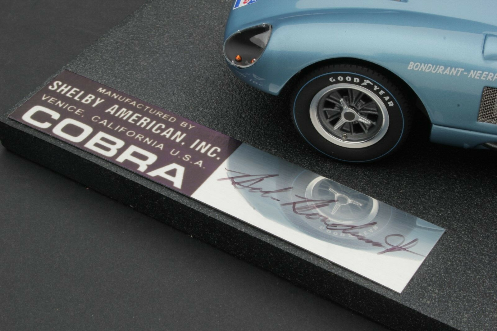 Exoto 1964 Cobra Daytona Tdf   Firma Edición Maqueta   1 18    BND22055