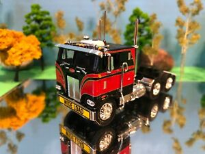 DCP-1-64-Black-Red-Peterbilt-352-Sleeper-Cabover-Flat-Top-Semi-Tractor-CB