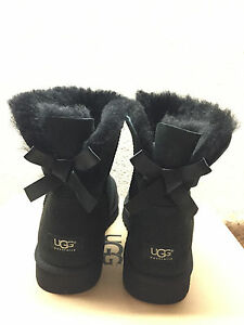 9a2f201add7 Details about UGG CLASSIC MINI BAILEY BOW BLACK BOOT US 7 / EU 38 / UK 5.5  - NEW