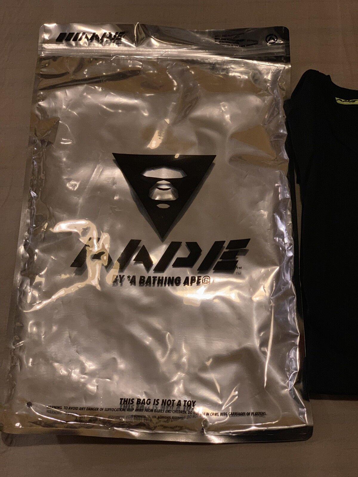 Authentic AAPE di a Bathing Ape (Bape) T Shirt (Taglia XL, logo frontale zip Pouch)