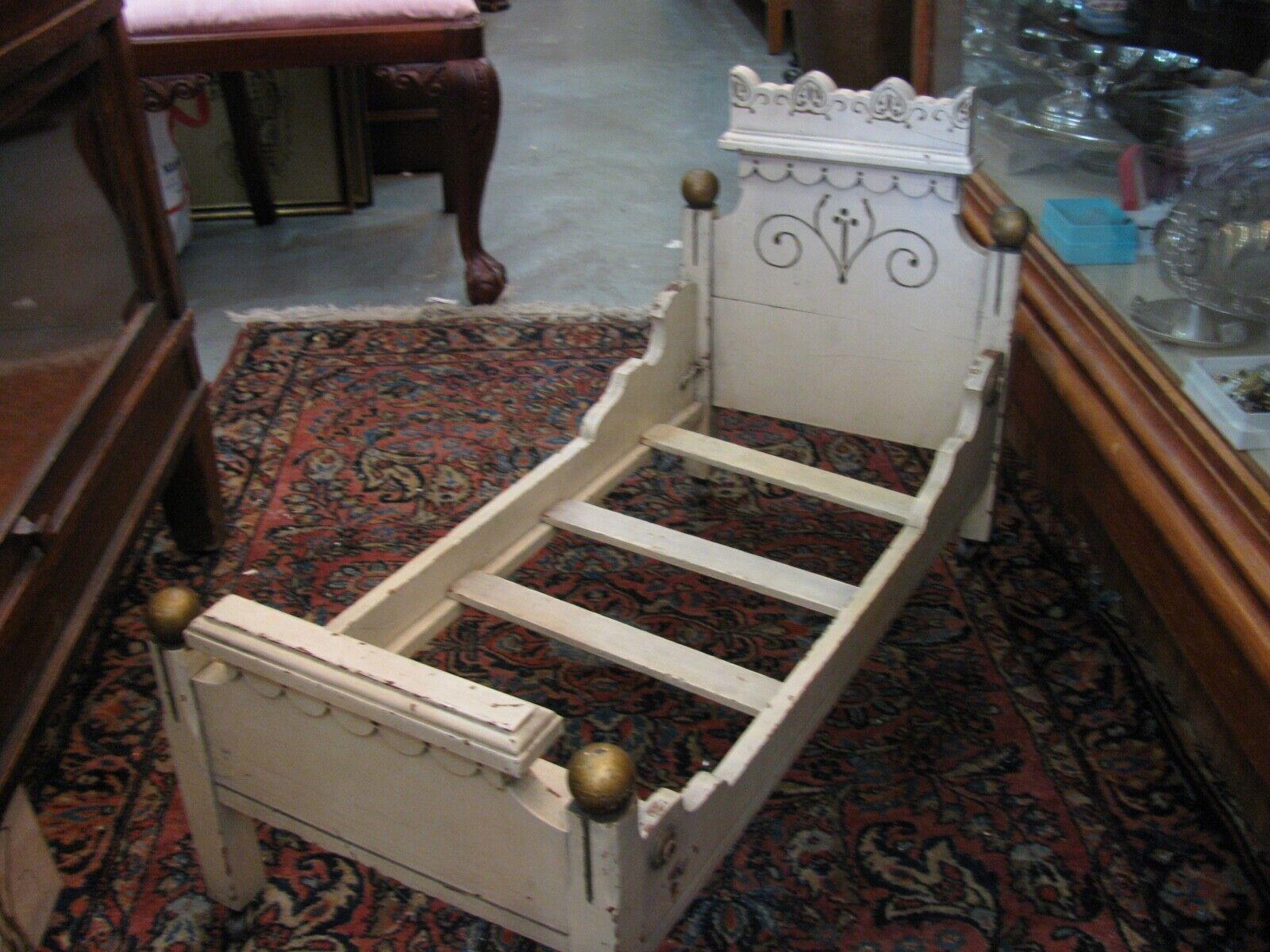 Antique Doll's Victorian Bed - For Restoration Refurbish - Larger Größe