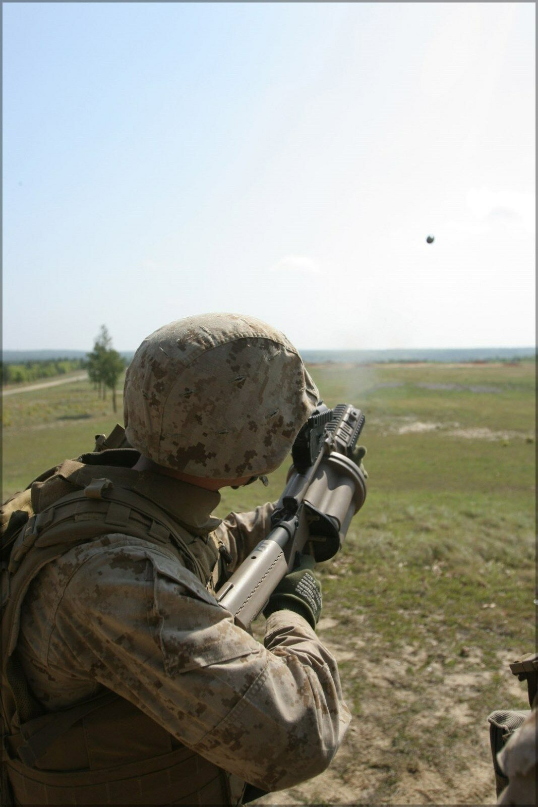 Poster, Many Größes; Marine Shoots A M32 Grenade Launcher