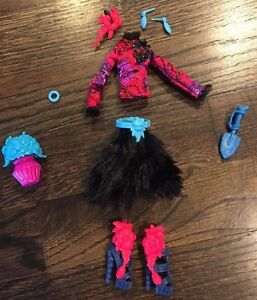 Monster high doll clothing shoes amp accessories lot gloom n 039 bloom