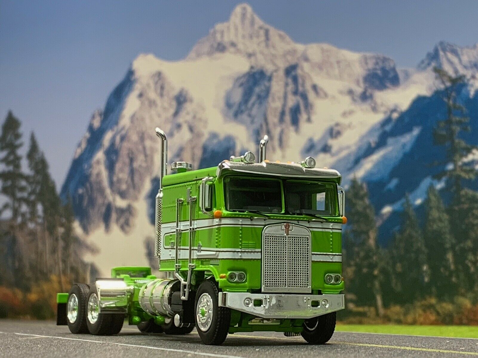 1 64 DCP LIME Grün Weiß KENWORTH K100 FLAT TOP LONG FRAME