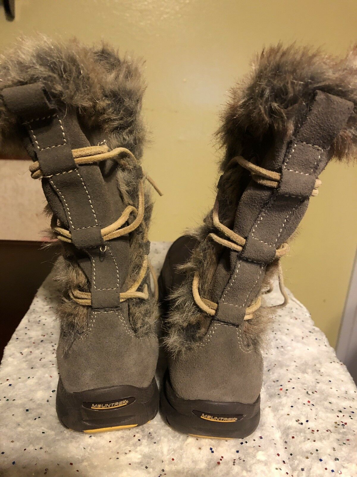 Mountrek-Ellie Lodge shoes-Boots shoes-Boots shoes-Boots Striking Women's Taupe Suze 7.5 New ab5cda