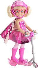 Barbie Princesa en la energía Super Héroe Gabby Muñeca Con Scooter Rosa CDY69