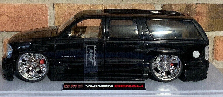 YukON DENALI1 18 scale Jada Toys DUB CITY GMC