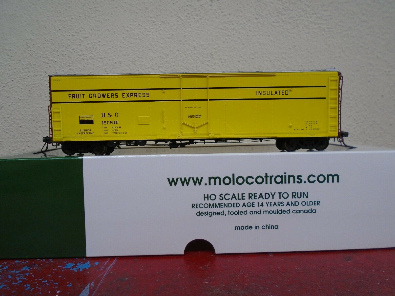 Moloco Trains B&O FGE 50' RBL Boxcar 33004 HO Fruit Growers Express