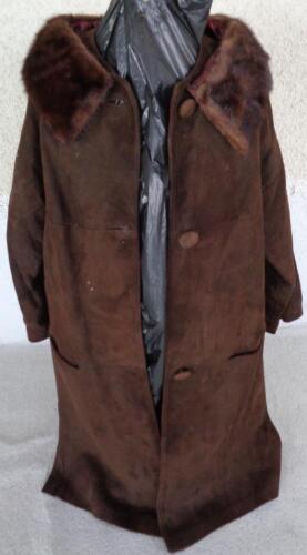 Wonderful Vintage 1950's Suede Coat with Fur Colla