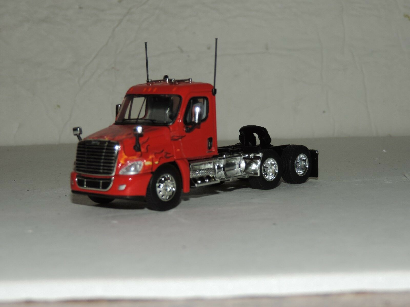Dcp red w flames freightliner cascadia day cab tractor new no box