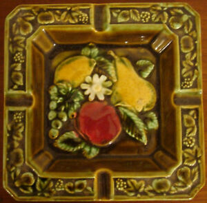 NEVCO-CERAMIC-WARE-ASH-TRAY-FRUIT-PEAR-VINTAGE