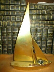Joli Bateau Voilier En Bronze Avec Boussole Ebay