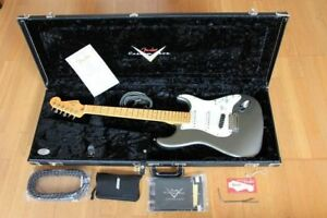 Fender-USA-Custom-Shop-Deluxe-Stratocaster-HSS-2013