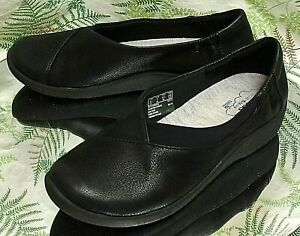 CLARKS-CLOUD-STEPPERS-BLACK-LOAFERS-SLIP-ONS-COMFORT-MOCS-SHOES-US-WOMENS-SZ-7-M