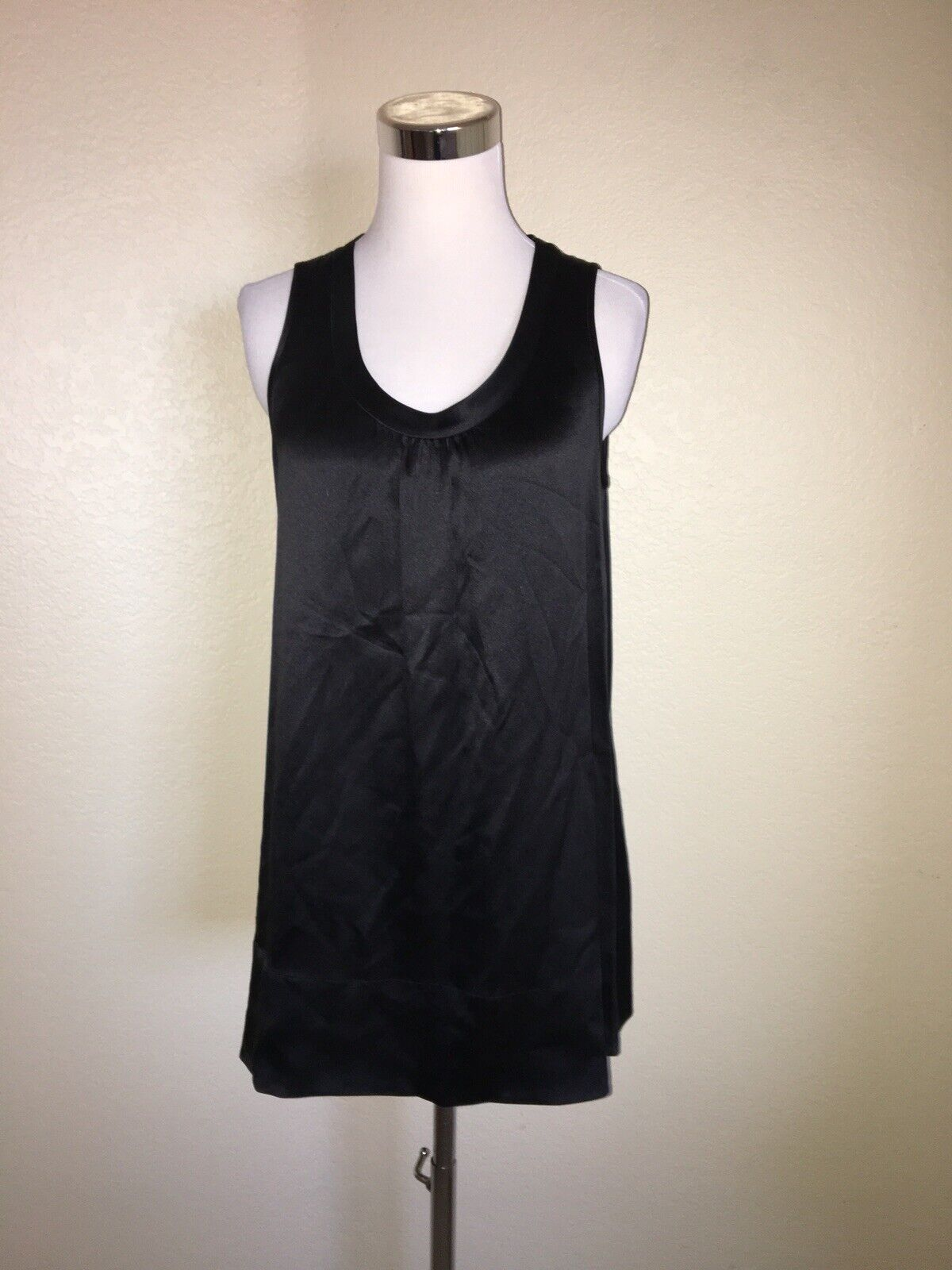 Eileen Fisher schwarz Silk Crepe Back Satin Sleeveless Tunic Tank Top Small NEW