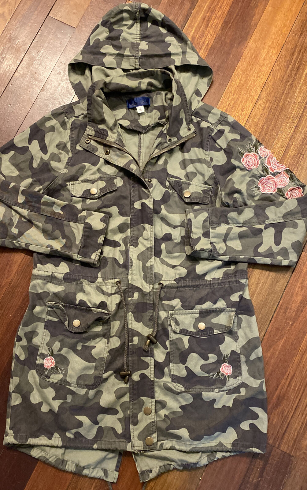 Camouflage Utility Jacket Streetwear Womens Size L Long Length Embroidered Roses