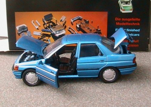 FORD ORION GHIA BERLINE 4 PORTES SCHABAK bleu METAL 1 43 MADE IN GERMANY