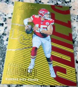 PATRICK-MAHOMES-II-Absolute-GOLD-1-Draft-Pick-SP-Chiefs-Champs-MVP-HOT