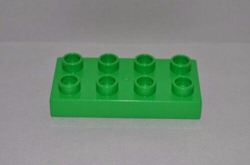 combined shipping 2x4 lot of 3 green Duplo plates