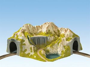 Noch-HO-05130-Eck-Tunnel-41-x-37-cm-GMK-World-of-Modelleisenbahn-Hobby