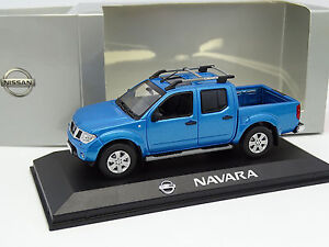 Norev-1-43-Nissan-Navara-Pick-Up-Bleue