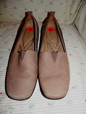 NEW Ladies Comfort shoes by Naturalizer, Size 10, Leather Upper,NEW Shoes