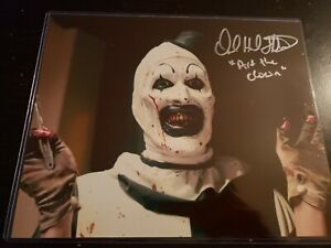 DAVID-HOWARD-THORNTON-Signed-ART-the-CLOWN-8x10-Photo-TERRIFIER-Autograph