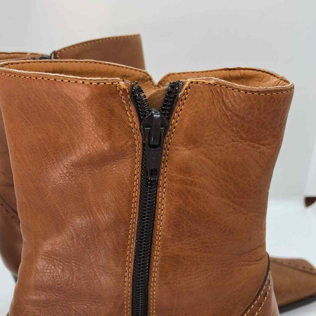 Elastomere tan leather zip up boots square toe  - image 9