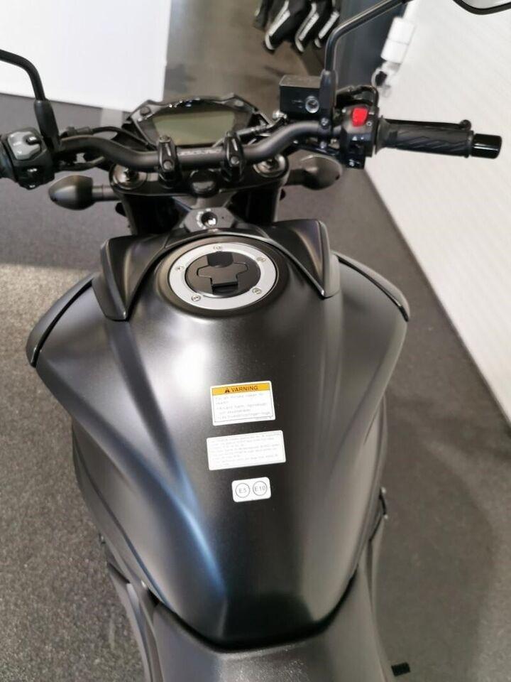Suzuki, GSXS 750, ccm 749