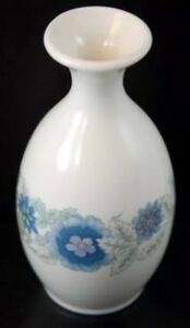 5-Bud-Vase-Clementine-By-Wedgwood-w-Blue-Flowers