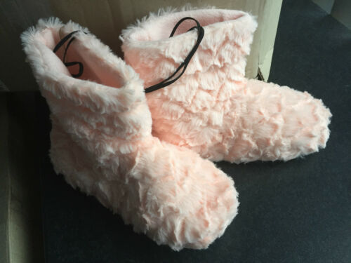 BNWT Ladies Sz 9 Rivers Brand Pastel Pink Soft Fluffy Short Style Slipper Boots