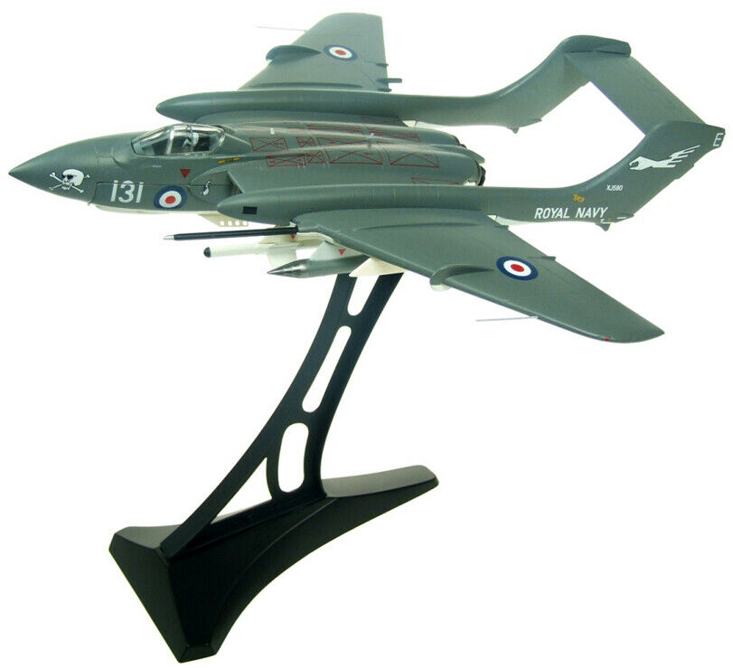 DE HAVIILLAND SEA VIXEN FAW 2 ROYAL NAVY PRESERADE TANGMERE XJ580 1  72 plan AV72