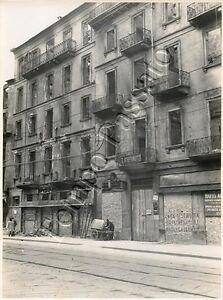 Seconda-guerra-mondiale-Fotografia-di-Milano-dopo-bombardamento-aereo-1943