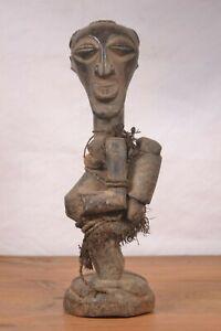African-tribal-art-Songye-statue-from-Democratic-Republic-of-Congo