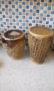 Copieux Paire De Bongo Drums Tribal African Style Peau D'animal 9.5 Cm Diam 19 Cm 23 Cm High-afficher Le Titre D'origine