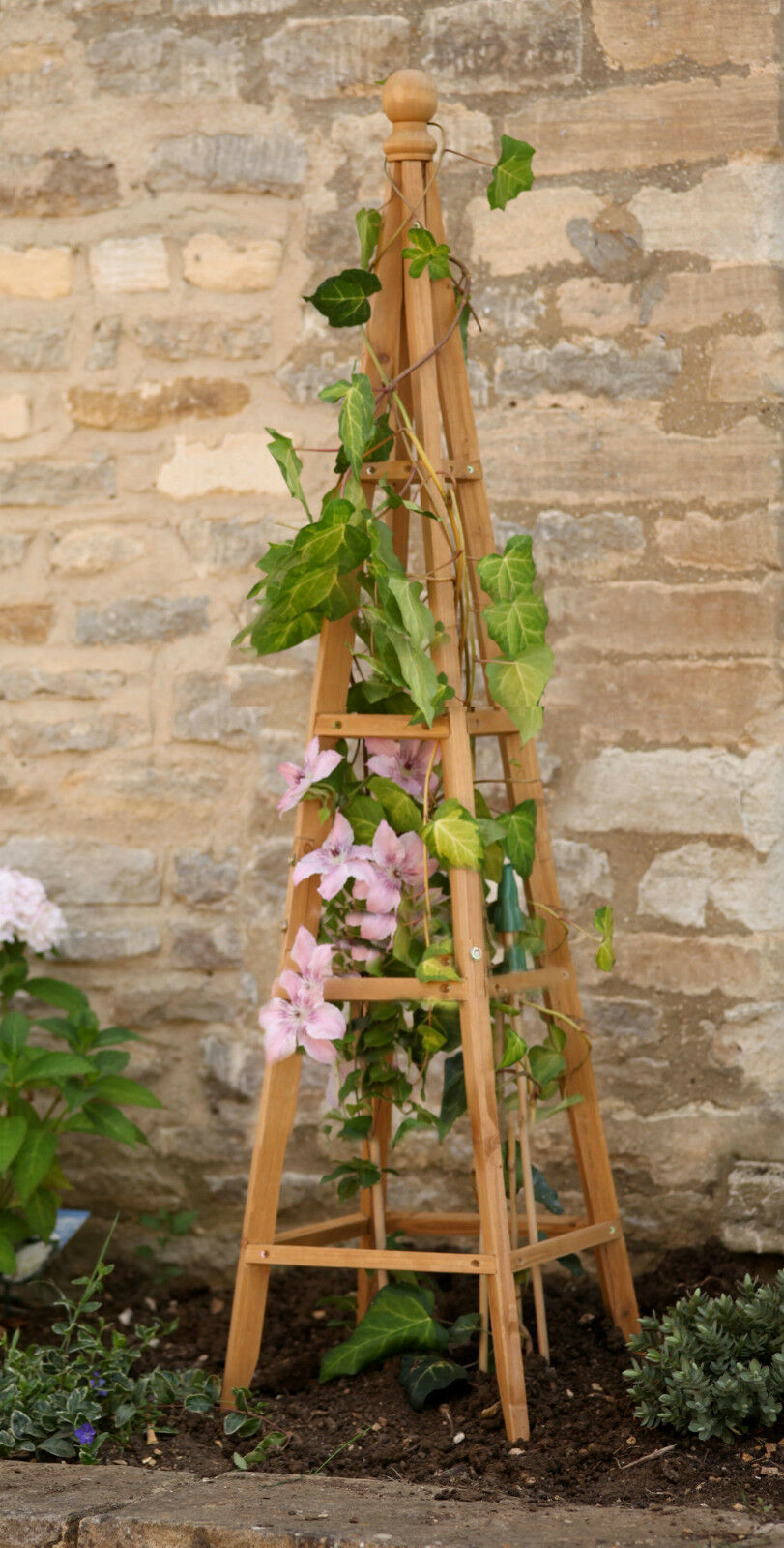 1.5m Selections GFH800 Wooden Garden Obelisk