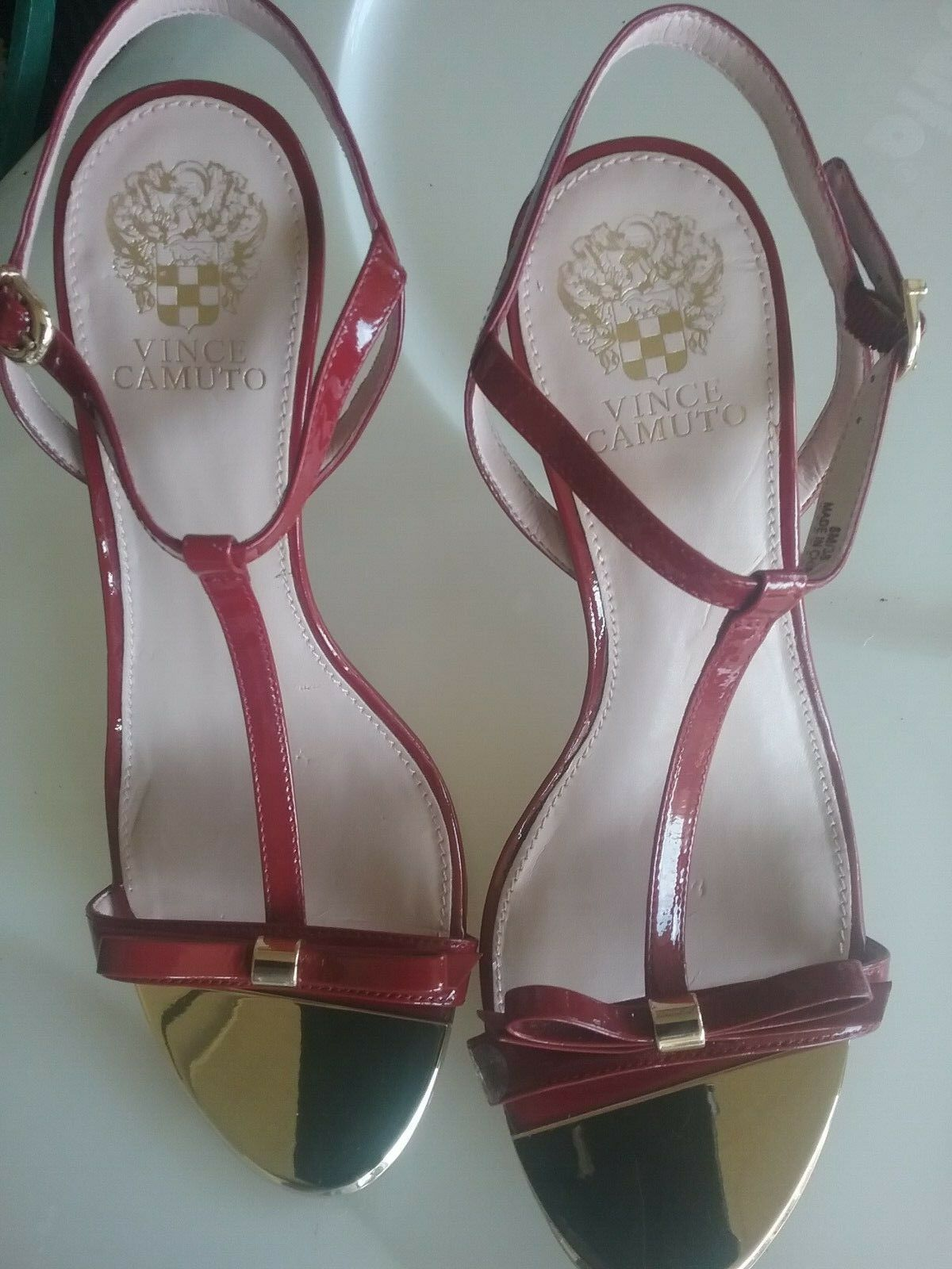online economico VINCE CAMUTO SPICER rosso rosso rosso PATENT T-STRAP HEEL SANDALS SZ EU 38 US 8M  in linea