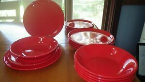 Red-Dinnerware-Set-Service-for-6-Dinner-Luncheon-Made-in-France-EUC-18-piece