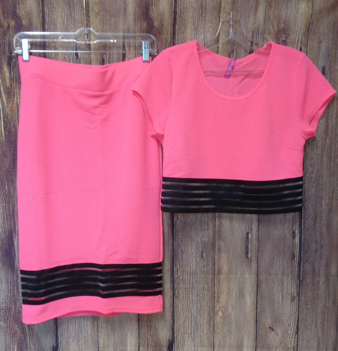 2pc Bodycon Skirt and Top Junior Size Large or XL Color