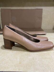 Enzo Angiolini Womens Square Toe Beige Heels Size 7M