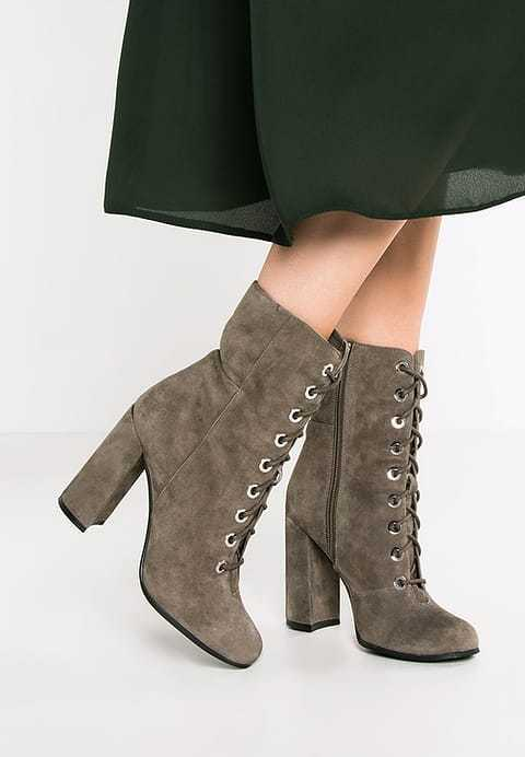 VINCE CAMUTO GREY SUEDE TEISHA ROUND TOE BLOCK BLOCK BLOCK HEEL LACE UP MID CALF BOOTS 9.5 653cc7