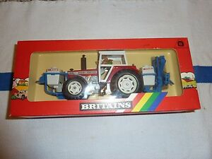 Britains #9615 Massey Tractor with Crop Sprayer