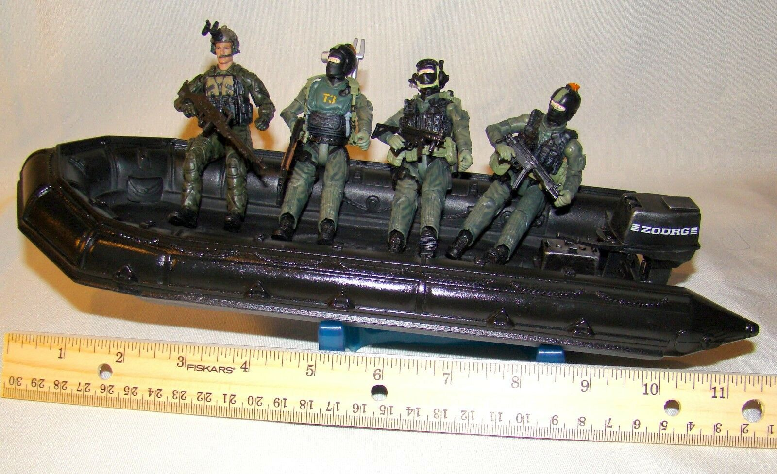1 18 BBI Elite Force U.S Navy SEAL Assault Boat ZODRG with Figures Soldiers