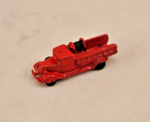 Toy Red Firetruck 1//12 scale dollhouse cast metal miniature ISL2918
